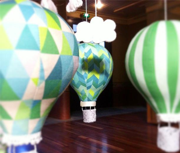 green_balloons