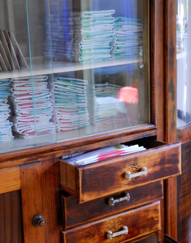 vintage_cabinet_2