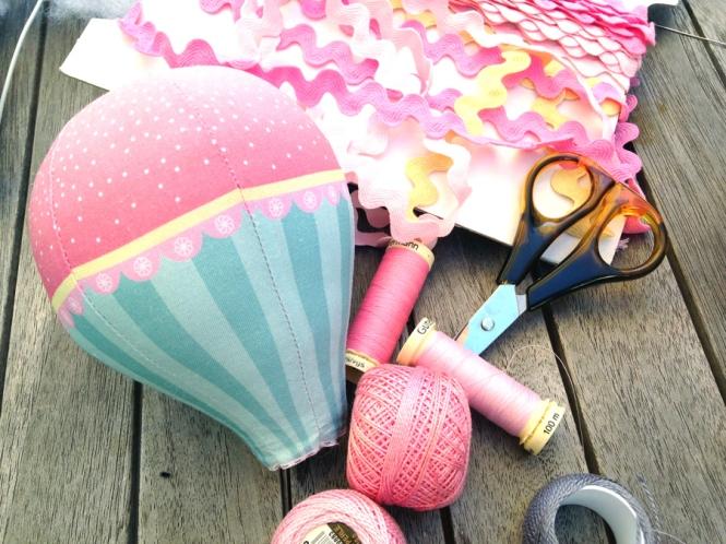 Sewing pink balloon