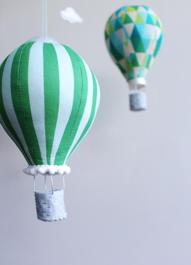 emerald_balloon_green_stripe
