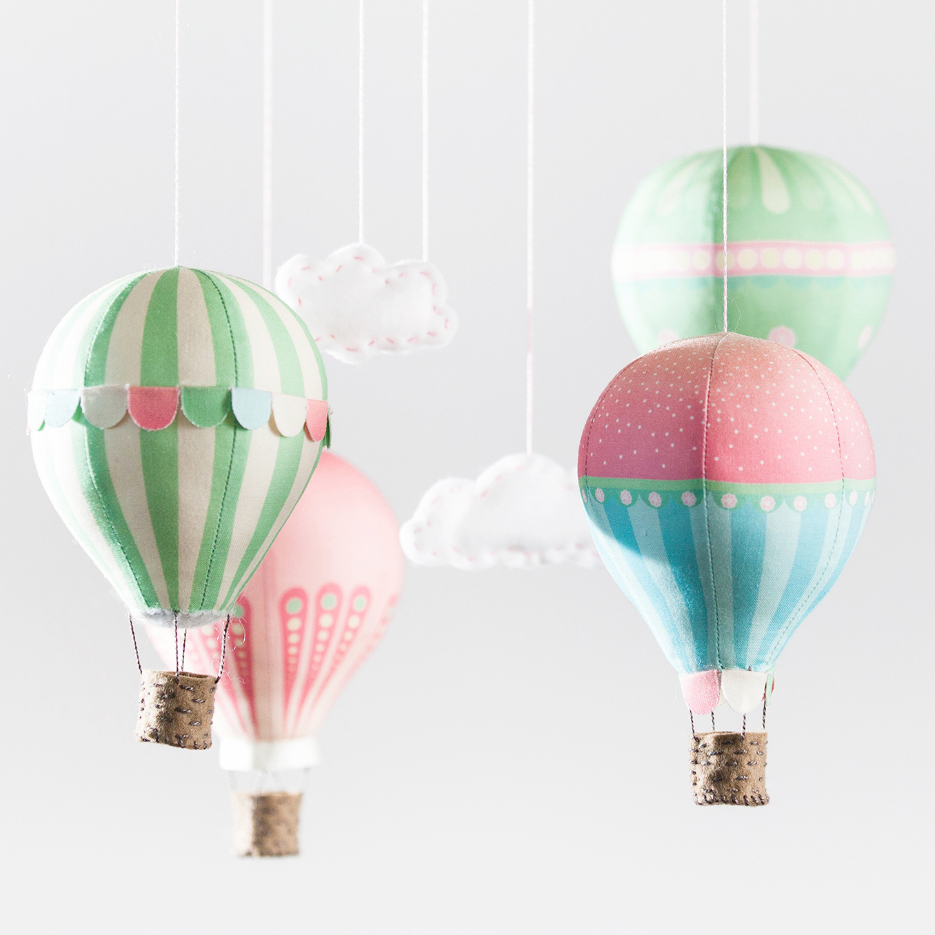 Hot air balloon craft schmaft for Air balloon decoration