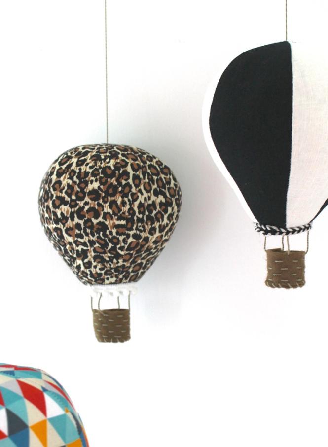 hot_air_balloons_black_white